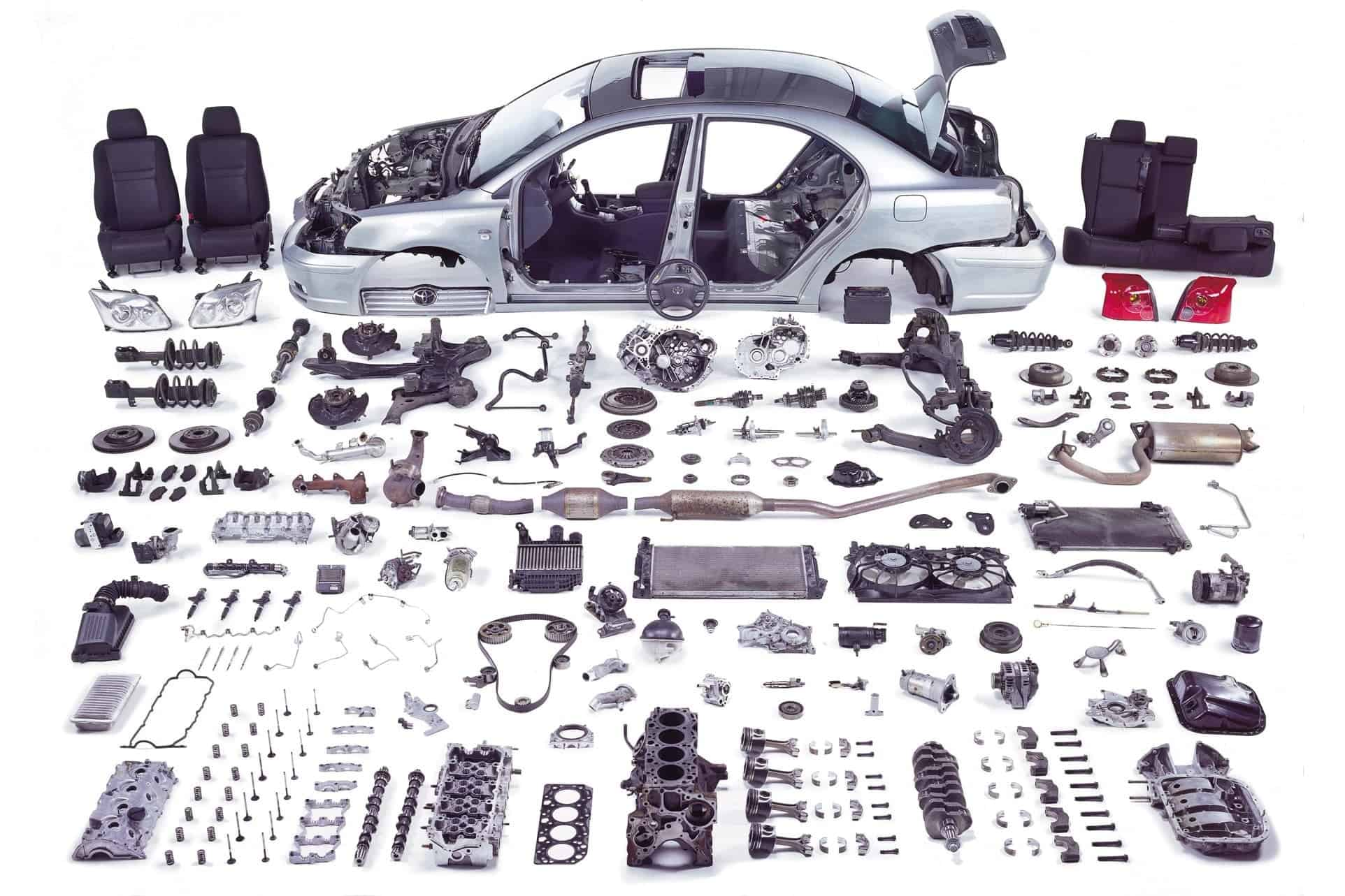 Avensis-na-díly_2-min