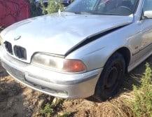 BMW Řada 5 528i pouze díly z vozu