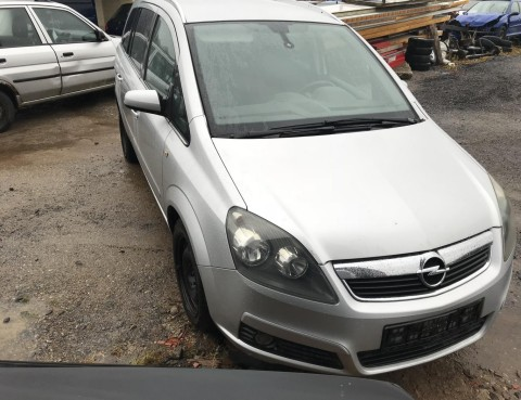 Opel Zafira 1
